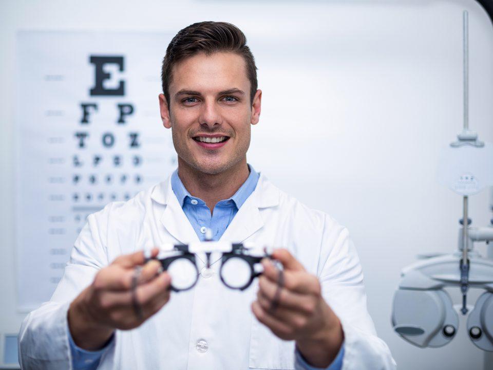 Visita oculistica con prova occhiali